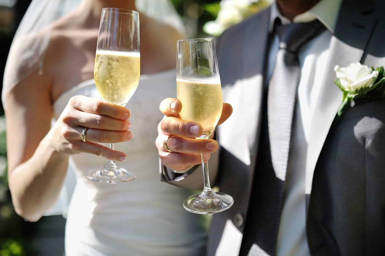 Молодежные тосты на свадьбу